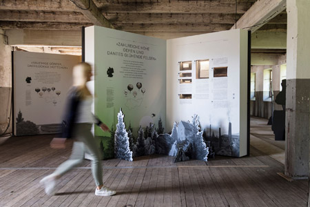 """Droste-Ausstellung ausgezeichnet - Internationaler Design-Preis für Wanderausstellung """"Sehnsucht in die Ferne"""""""