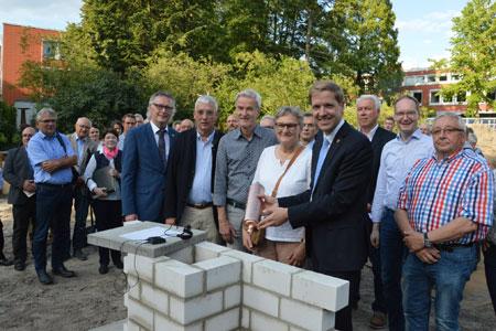 Zeitkapsel für die Nachwelt - Grundstein für das neue Kreishaus V ist gelegt