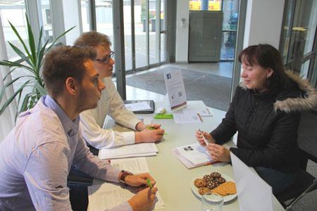 Bewerber stellten sich beim Speed-Dating vor / Kaufmännische Berufe im Mittelpunkt der Zeitarbeitsbörse