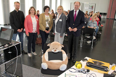 """""""Teddybär trifft Tablet"""" im Kreis Warendorf / Digitale Medien in der frühkindlichen Bildung kreativ nutzen"""