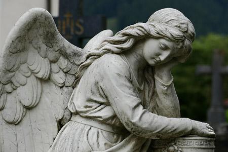 Wir stehen Ihnen zur Seite im Trauerfall