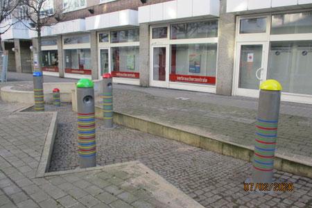 Kinder können Klangsäulen in der Reinoldistraße in Dortmund wieder ertönen lassen