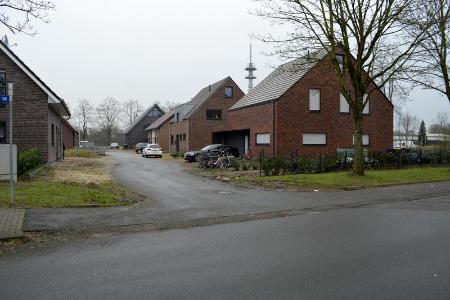 Jetzt aber: Im Neubaugebiet Baakenesch-Ost hat der Straßenausbau begonnen